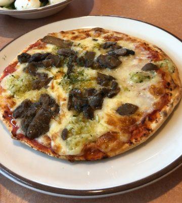 野菜ときのこのピザ(+ダブルチーズ)
